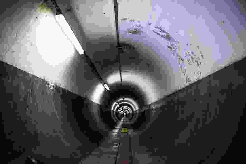 Tajemniczy tunel metra. Wrota podziemnego miasta. Sprawdzamy, dokąd prowadzi teraz [ZDJĘCIA, WIDEO]