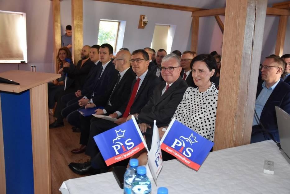 Września: PiS rozpoczyna kampanię i przedstawia swoich kandydatów