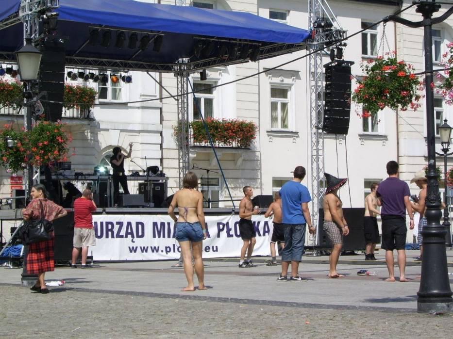 After party przed płockim ratuszem