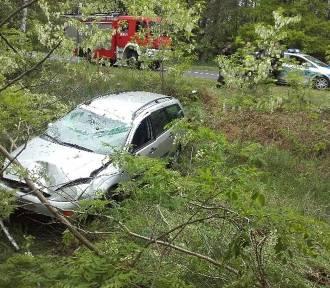 Kierowca miał 4 promile. Wypadł z drogi w okolicach Bobrowic i rozbił się (ZDJĘCIA)