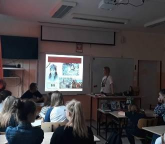 Niecodzienna lekcja historii w Szkole Podstawowej nr 6 w Stargardzie