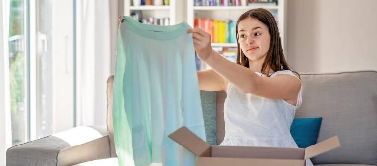Chcesz zamówić sukienkę z Chin? Przemyśl tą decyzję! Internautki dzielą się najpaskudniejszymi kreacjami