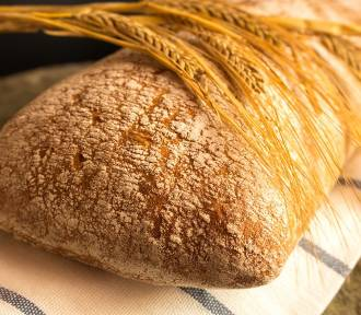 Proste i pyszne przepisy na domowy chleb i bułki