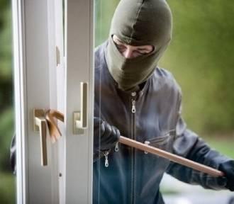 Włamanie do domu jednorodzinnego w Makowie Mazowieckim
