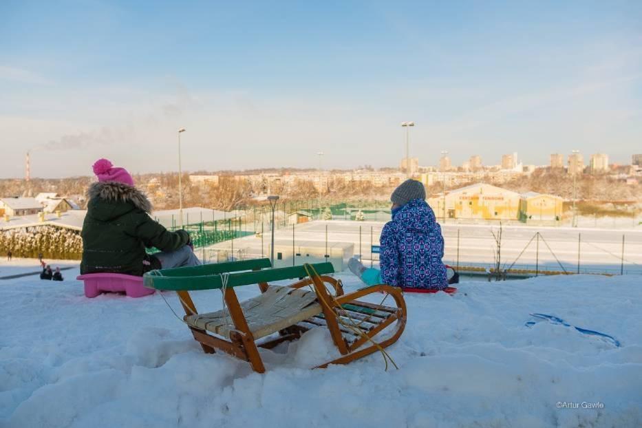 W Tarnowie jest wiele górek, które upodobali sobie do zjazdów miłośnicy sanek i innych sprzętów do szaleństw na śniegu