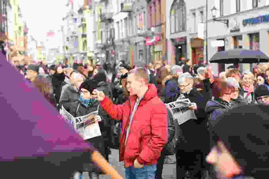 Toruń. Kobiety strajkowały na Rynku Staromiejskim [ZDJĘCIA]