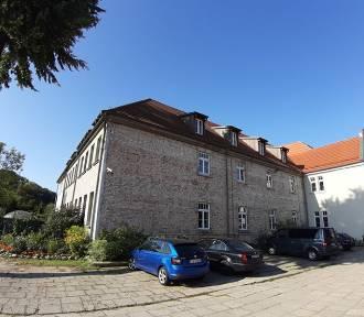 Klasztor w Wejherowie otrzymał 100,5 tys. zł dofinansowania na remont elewacji [ZDJĘCIA]