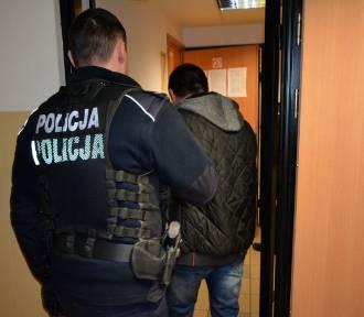 Policjanci zatrzymali 41-latka, poszukiwanego przez Sąd Rejonowy w Kartuzach