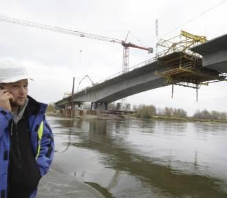 Zobaczcie, jak powstawał most na Odrze w Ciechanowie [ZDJĘCIA]
