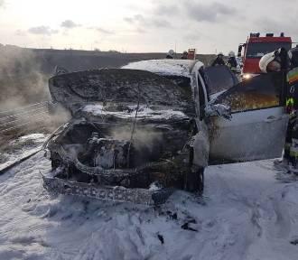Na autostradzie A1 płonął samochód. 80 tys. zł strat! [zdjęcia]