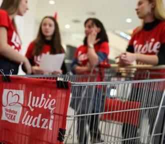 W Szlachetnej Paczce brakuje tysięcy wolontariuszy. Kryzys dobroczynności?