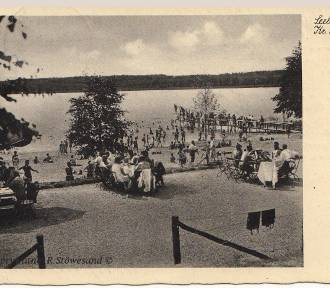 Plaża nad Jeziorem Sławskim z poprzedniego wieku