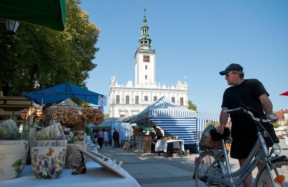 Podczas Jarmarku w Chełmnie będzie można pohandlować, zrobić zakupi i obejrzeć prezentacje artystyczne