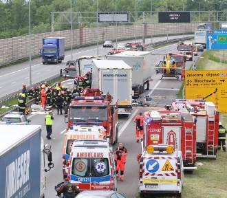 9 samochodów zderzyło się na autostradzie A4!