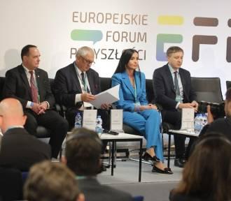 Trwają debaty na temat przyszłości województwa na Stadionie Śląskim