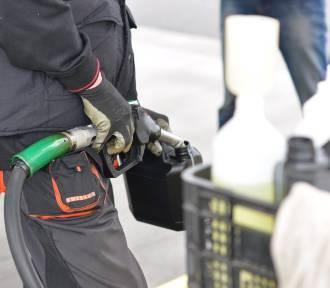 Mężczyźni z powiatu rzeszowskiego ukradli piwo, paliwo i tablice rejestracyjne
