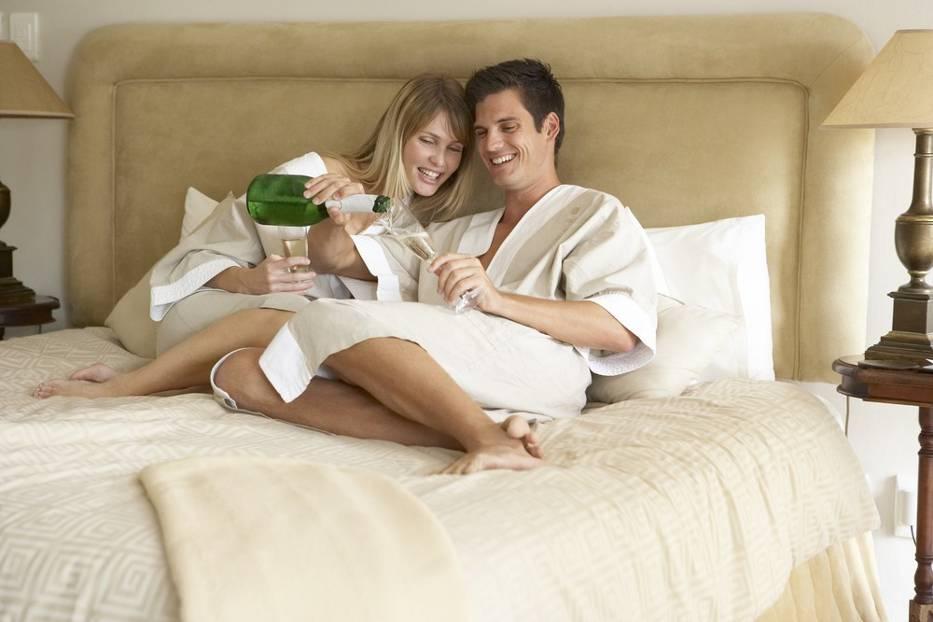 Zmysłowa sypialnia dla zakochanych