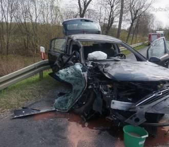 Tragiczny wypadek na DW 494 w Kalei. Dwie osoby nie żyją