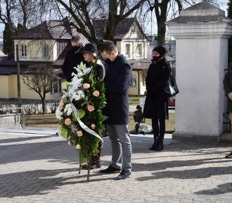 Wiesława Burnos, członek zarządu województwa pożegnała swojego męża