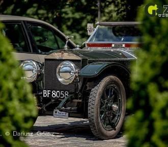 Rolls-Royce'y zjechały na zamek Książ. Zobacz, ile wiesz o tej marce samochodów [QUIZ]