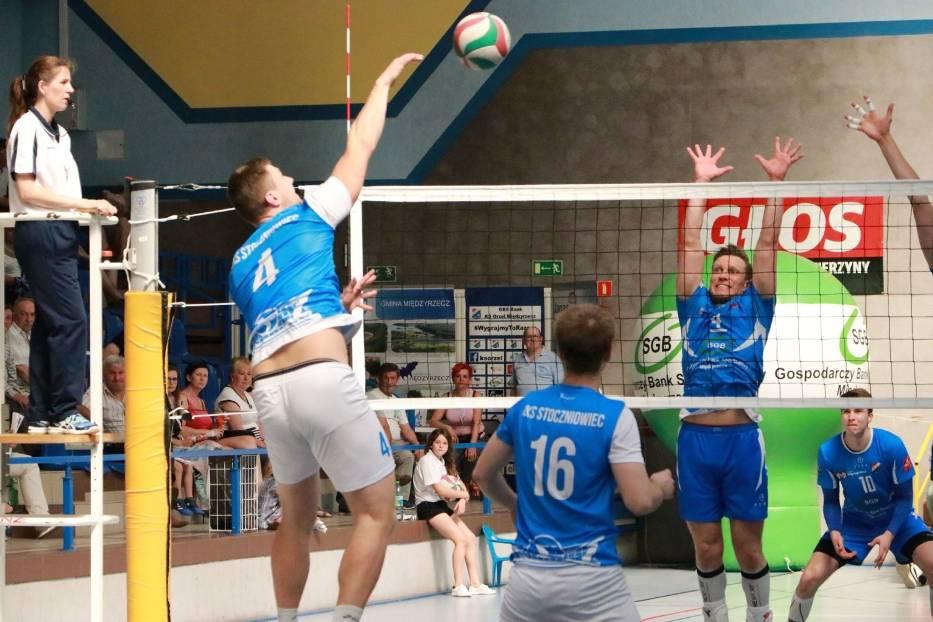 Siatkarze Orła wygrali ze Stoczniowcem Gdańsk.