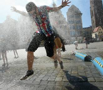 Upały na Dolnym Śląsku. Unikajcie słońca, pijcie dużo wody!