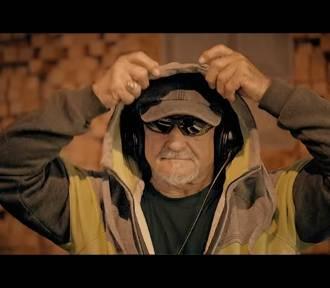 Burmistrz Żywca rapuje! Antoni Szlagor w #Hot16Challenge