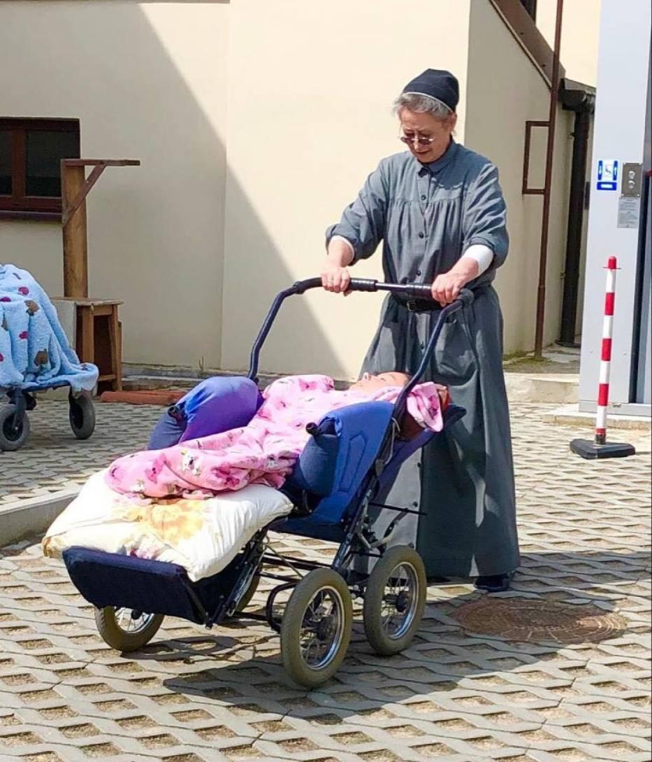 Sieradzkie urszulanki opiekują się niepełnosprawnymi