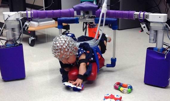 Oto egzoszkielet, który pomoże w walce z mózgowym porażeniem dziecięcym