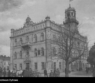 Jarosław powinien być stolicą województwa. Tego chcieli dziennikarze w 1930 roku