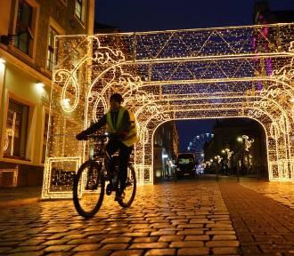 Poznań rozbłysł na święta. Stary Rynek po zmroku wygląda magicznie!