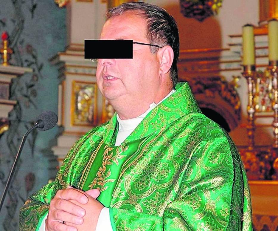 Ksiądz Marian W