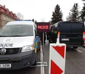 Kontrole na granicy z Czechami. Przywrócono odprawę graniczną