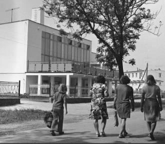 """Czar PGR-ów, czyli bloki w szczerym polu i """"bonanza"""" - archiwalne zdjęcia"""