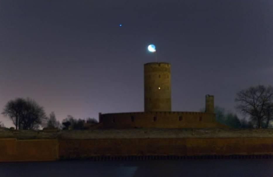 Twierdza Wisłoujście nocą (od strony Nowego Portu)