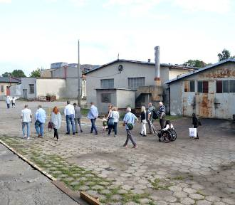 Malbork. Spacer po terenie Pemalu [ZDJĘCIA]. Rozpoczęły się konsultacje społeczne przed zmianą