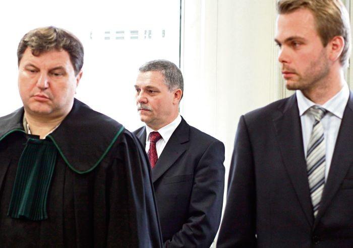 Były starosta Ryszard Pomin (z prawej) sześć lat czekał na wyrok uniewinniający w sprawie szpitala w Puszczykowie