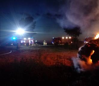 Pożar stogu siana w Moranach gasiło pięć zastępów Straży Pożarnej