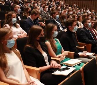 Prawo do wykonywania zawodu lekarza. Gala w filharmonii ZDJĘCIA