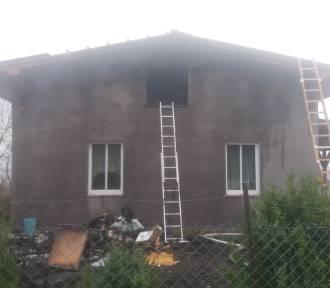 W powiecie brodnickim płonął dom i samochód. Zobaczcie zdjęcia