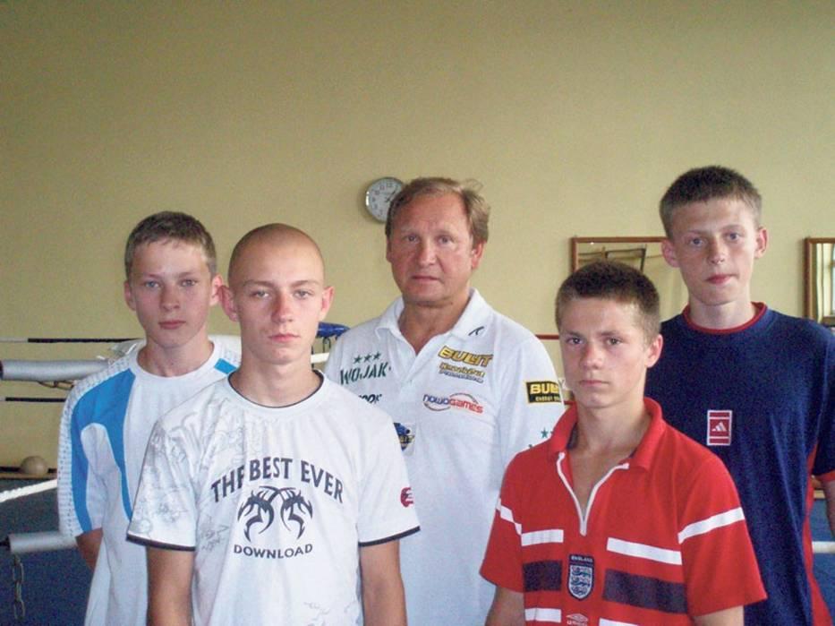 Od lewej Dariusz Wilk, Adam Grzelak, Mirosław Brózio, Mariusz Koch i Piotr Józefiak