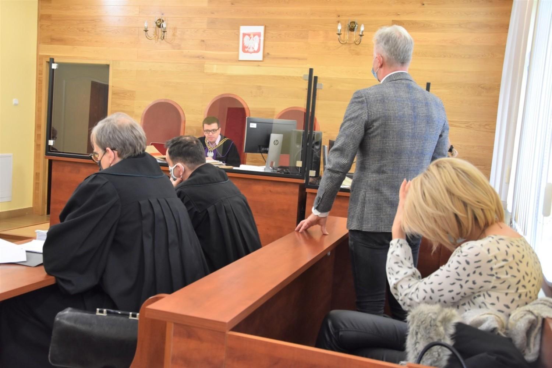 W Sądzie Rejonowym w Nakle odbyła się pierwsza rozprawa z udziałem burmistrza Mroczy Leszka K