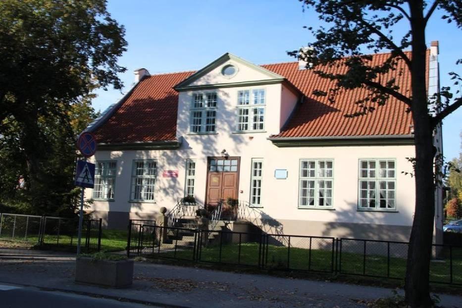 Zabytkowy budynek biblioteki w Pruszczu Gdańskim przejdzie rozbudowę i remont