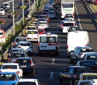 Jazda na suwak i korytarz życia to nowy obowiązek kierowców!
