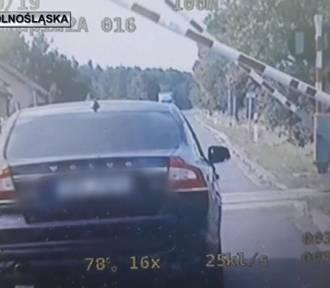 Kolejny pirat drogowy zatrzymany! Stracił prawo jazdy i dostał wysoki mandat [FILM]