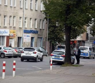 Ul. Wojska Polskiego. Drogówka łapie pieszych przechodzących nie po pasach