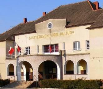 SULMIERZYCE: Rozpisano przetarg na remont dachu Sulmierzyckiego Domu Kultury