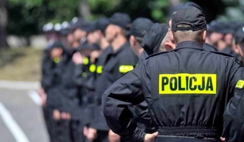 Posterunkowy: Koniec cwaniactwaPosterunkowy w Śląskiej Policji jest od niedawna, ale już przekonał się, że służba na ulicy nie jest łatwa