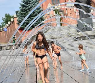 Fontanna w Rybniku jak miejskie kąpielisko ZDJĘCIA