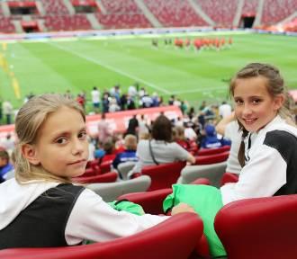 Młodzi piłkarze poznali swoich idoli w ramach wygranej w Pucharze Tymbarku